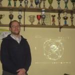 Feuerwehrmann Martin Beeskow - erklärt das GPS-System